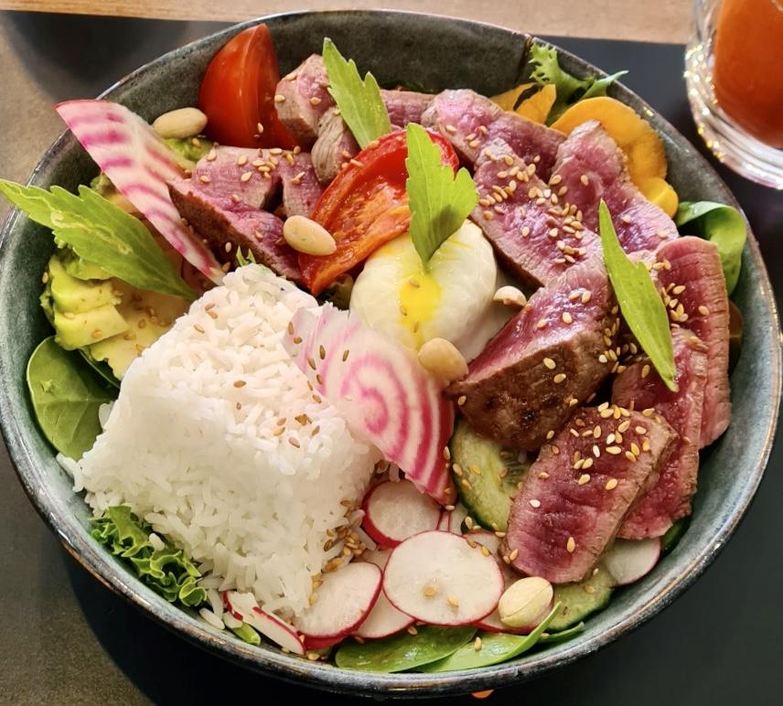 Salade complète - Pokebowl tataki de boeuf